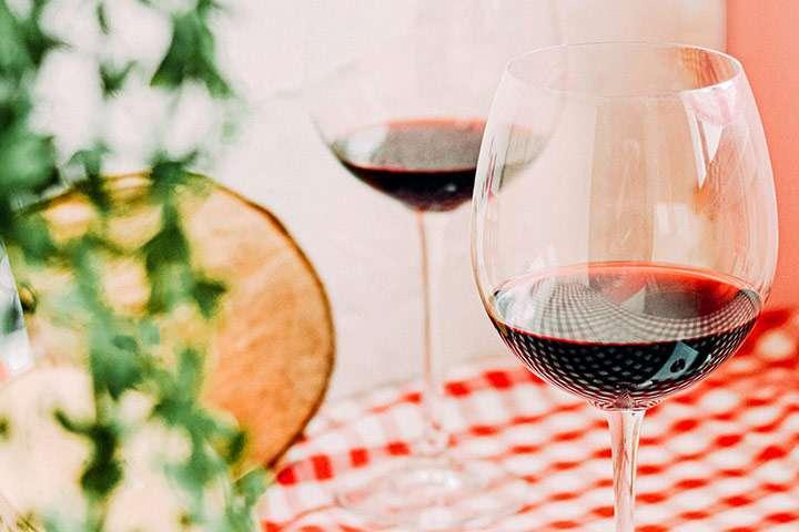 5 zdravstvenih prednosti koje možete ostvariti uz samo jednu čašu crnog vina na dan