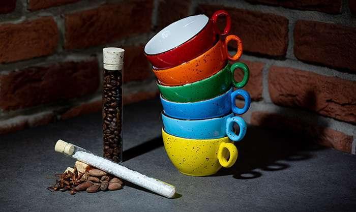 Stižu porculanske šalice Iris Dots, koje će zasladiti svaku kavu i čaj